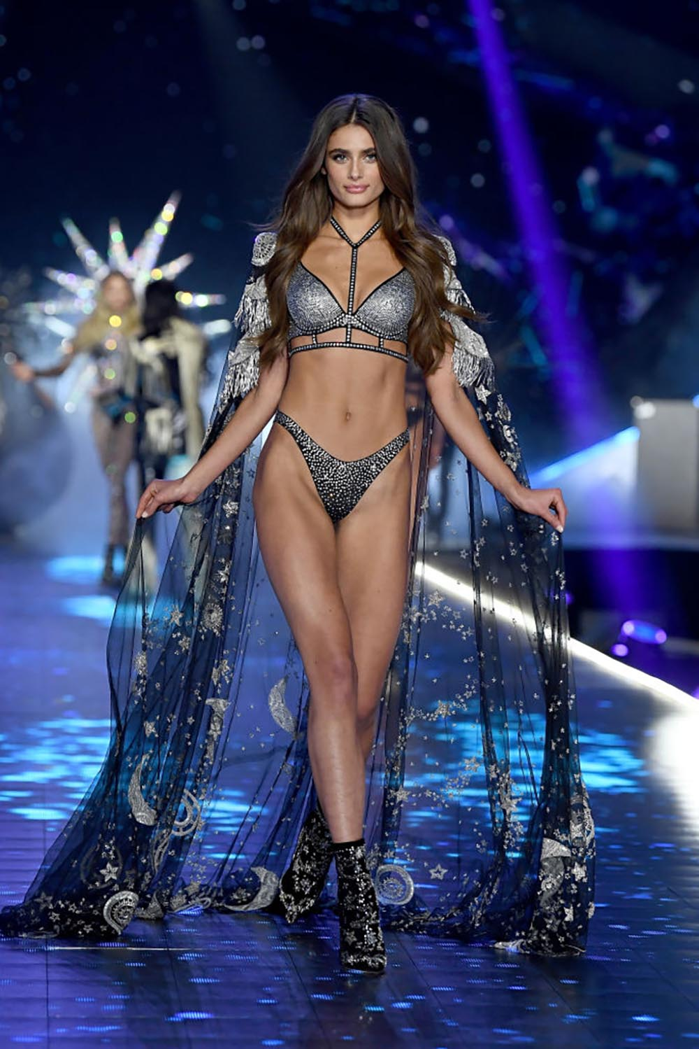 How-these-Victorias-Secret-models-look-THAT-amazing-Taylor-Hill